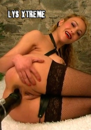 foto-brutalnoe-dildo-lesbiyanki-i-bolshie-samotiki