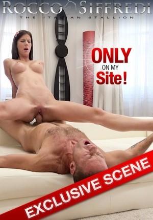 Порно фильм онлайн | 18 Лет - В Восемнадцать Отдамся Вся!
