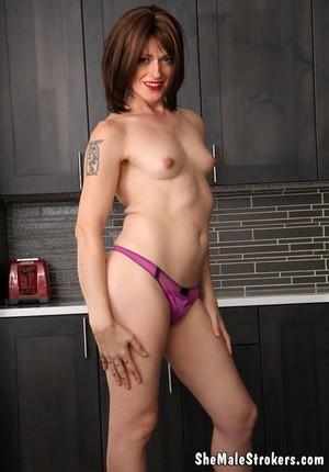 Порно фото сиссибой гей би транс